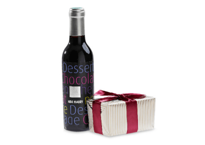 Mini red dessert wine & chocolates hamper
